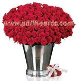 100 roses with Vase and Chocolate